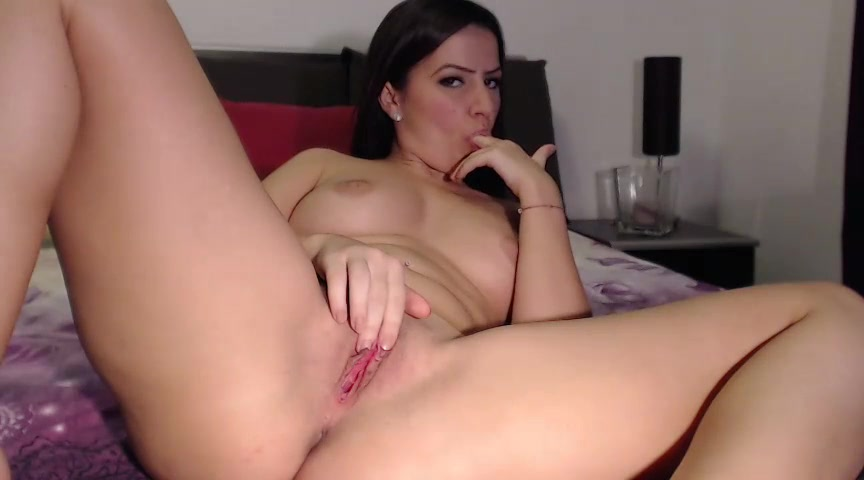 MakeMeCum caresses her pink pussy