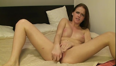 Alice Sleek fucks her pussy with rubber dick
