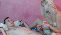 Hungrygames: naked young couple