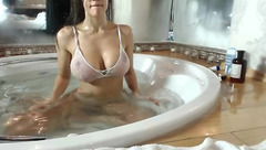 HotDiva19: big tits in the bath