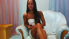 Brunette Aishaa in free chat