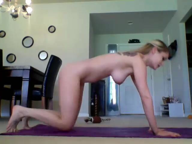 Lovely blonde Jennadeepthroat from adult chat