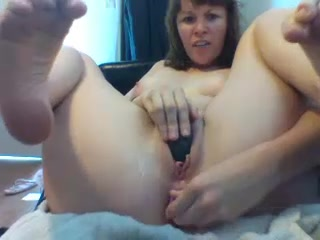Stabby_abby toying her cunt and asshole