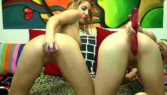 BlonDeluxe: lesbian couple in private chat