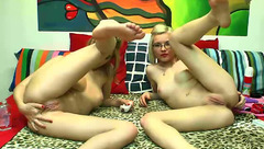 BlonDeluxe: 2 naked cam babes