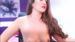 A hottie is chatting naked