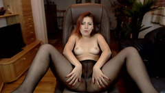 AnomimWoman in black pantyhose