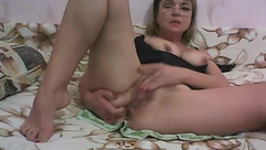 Mature Jezafina masturbating