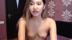 Naked Asian babe Cruzik