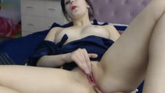 Susanaaa caresses her pink pussy
