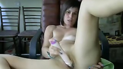 Housewife NikiXXS plays with dildo
