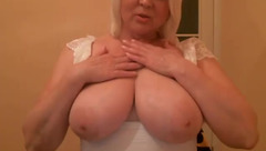 Mirage40 shows her huge tits