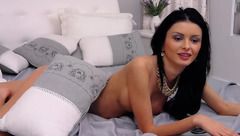 Beautiful webcam babe 1HotDiamond