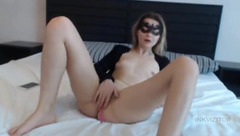 HotLedy masturbating on the bed
