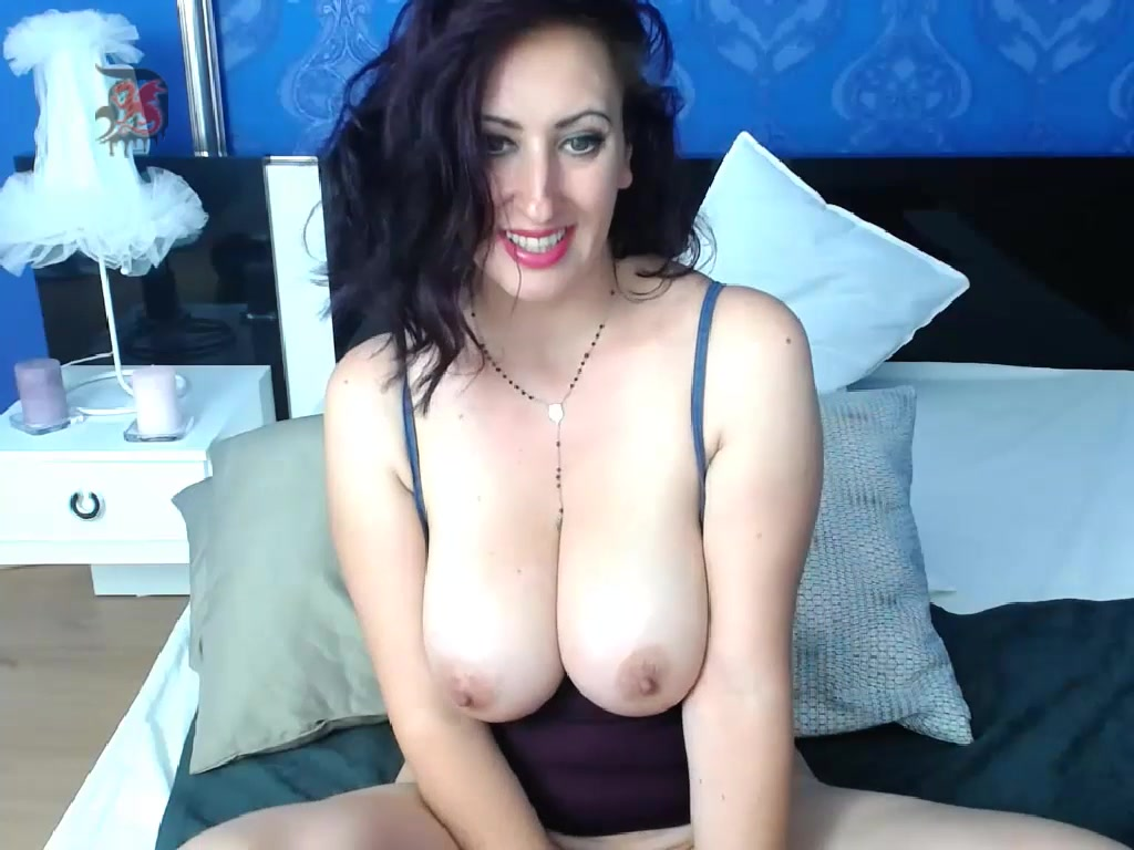 Celinnec - brunette with big boobs
