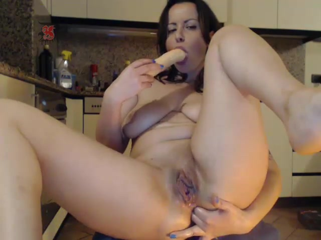 Sexydevilxx playing with long dildo
