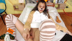 Young gal Connie_brown fucking herself