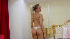 DreamJoslyn slowly took off her dress and started to masturbate