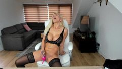 Awesome hot blonde Ruby_rosee in sexy underwear is stroking puss with vibrator and fingering