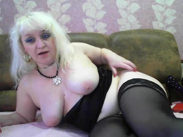 Fuck hungry fat blonde SuleymaX8 in black stockings is showing off her tits and pussy