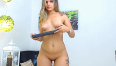 Yummy tight blonde Estefa_R with sexy tattoo is having webcam chat nude and showing pussy