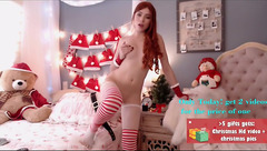 Impressive hot ginger babe Emma_lu1 is excitingly posing in Christmas sex suit