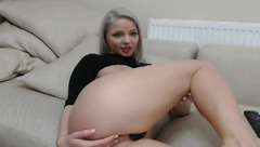 White hair web cam sex model InnocentDoll is showing her exciting bubble butt and yummy cunt