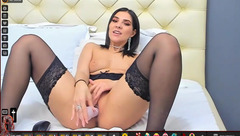 Brunette with awesome big round butt Lovelykinsley is hotly masturbating cunt with big vibrator dildo