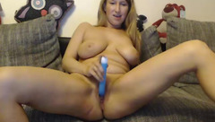 Couple750: big boobs woman play with sex toy